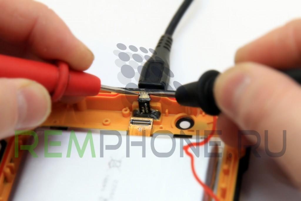 Проверка гнезда зарядки телефона